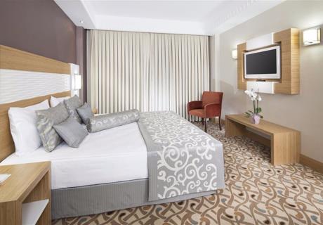 <div>Tüm odalarımızda ve otelimizde kablosuz internet erişimi bulunmaktadır.</div><div><br></div><div>Tüm odalarda çay-kahve set up mevcuttur. Otelimizde </div>