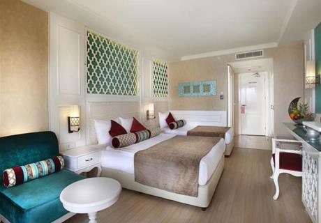 <div>Yatak odası</div><div>1 × Çift kişilik (1 × Bebek yatağı eklenebilir)</div><div>Banyo</div>